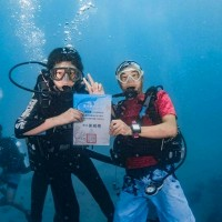 School holds underwater graduation in southern Taiwan