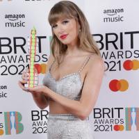 【全英音樂獎】女力稱霸!泰勒絲首位女性奪指標性大獎 美前第一夫人盛讚「年度國際歌王 」威肯
