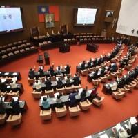 Two legislative committees halt all meetings due to COVID surge