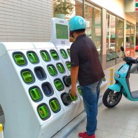 Taiwan's Gogoro signs battery deal with Chinese companies