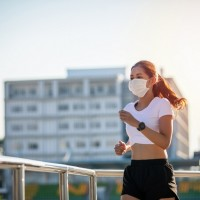 Taiwan doctor warns against high-intensity exercise with mask