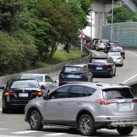 台灣國道交通量較去年減逾5成以達效果 匝道管制16時恢復一般連假模式