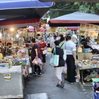 Taiwan night market operator gives vendors interest-free loans to weather COVID