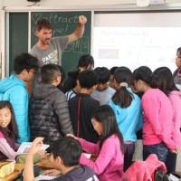 Taiwan providing NT$40,000 in subsidies to foreign cram school teachers with APRCs