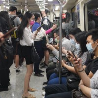 Taipei MRT sees number of passengers rise 10% on first morning of eased COVID restrictions
