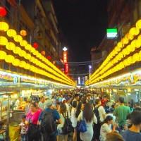 內用需公筷母匙、夜市禁邊走邊吃?全台降級餐飲限制一次看
