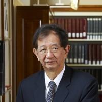 Over 100 Nobel laureates condemn China for bullying Dalai Lama, scientist
