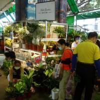 Jianguo flower market in Taipei now fully open