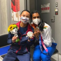 Taiwan's Tai and India's Sindhu bond after Olympics badminton final