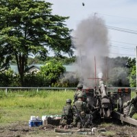 Taiwan Army holds live-fire artillery drills