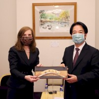 Taiwan president receives Australia's new representative
