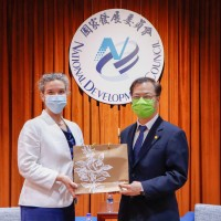 American Institute in Taiwan director visits National Development Council