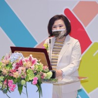 Taiwan labor minister says she hopes for better minimum wage increase for next year
