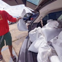 U.S. Gulf Coast residents flee 'extremely dangerous' Hurricane Ida
