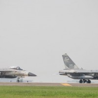 Taiwan jets fight off simulated enemy on final day of Han Kuang exercise