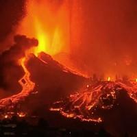 西班牙度假勝地火山大爆發急撤5千人 岩漿湧現如史詩鉅片
