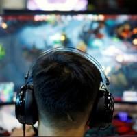 中國青少年鑽漏洞超時打遊戲 官媒籲嚴加防堵