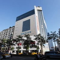 Ming Yao latest Taipei department store to close because of COVID case