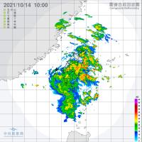East Taiwan battles more rain, north Taiwan gears for temperature drop