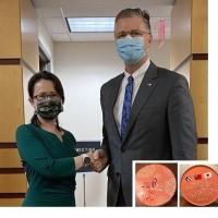 Taiwan envoy to US meets senior State Department official, brings souvenir