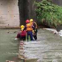 不斷更新!北台灣虎豹潭溪水暴漲 17日上午尋獲4人 仍有2人失蹤
