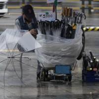 〈財經主筆室〉南韓每日超過千家店家倒閉 台灣五倍券救得了個體戶嗎?