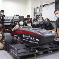 全台灣今年獨一輛 成大電動賽車3秒加速100公里