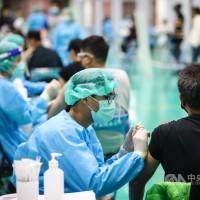 【第12輪】陳時中:台灣AZ接種報到率近9成 未見棄打潮