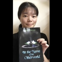 Taiwanese teenager publishes English fantasy novel in US, becomes bestseller