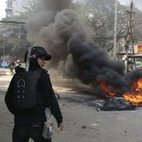 Myanmar ethnic army attacks jade mining town, media say