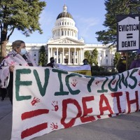 U.S. COVID-19 residential eviction ban set to expire at midnight