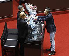 〈時評〉防疫在台灣 是公衛還是政治?