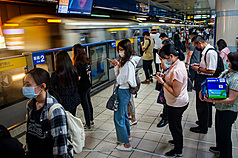 7 COVID cases traveled extensively on 4 Taipei MRT lines