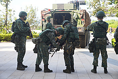 Taiwan military resumes field unit assignment for troops