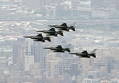 Taiwan requests US to expedite shipment of F-16s