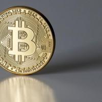 加密貨幣平台Coinbase美國上市再掀熱潮 挖礦耗能及政治角力獲關注