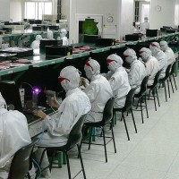 Taiwan's Foxconn mulls Vietnam iPhone factory to sidestep trade war: reports