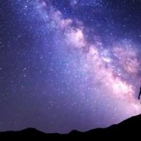 10日夜空三合一群星秀  滿月彗星月蝕一次看個夠