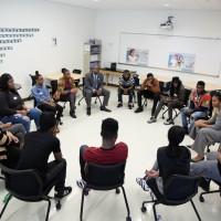 蜜雪兒歐巴馬意外現身高中教室 與輟學生深談2小時