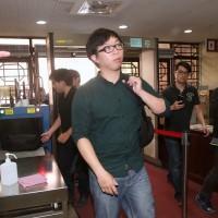 太陽花占領政院 魏揚無罪 11人被判3到5月可易科罰金