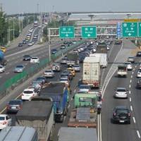 端午連假首日  國道多路段時速30公里以下