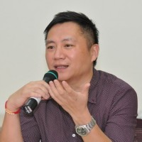 Tiananmen activist Wang Dan to leave Taiwan