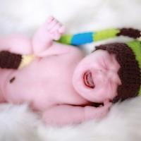新手爸媽的福音 智慧安撫嬰兒床研發成功