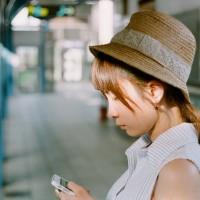 調查發現 : 現代人平均每日花30分鐘在手機、看影片上