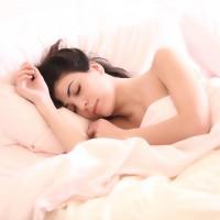 平日分段睡 假日再一次補眠 當心罹患睡眠障礙