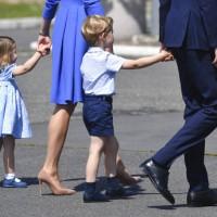 喬治小王子為什麼總是穿短褲?