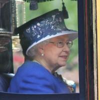 英女王長壽的秘訣竟然是小酌?