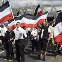 新納粹主義者柏林大遊行 與反種族歧視者爆衝突