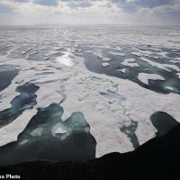 全球暖化融化北極 俄油輪不破冰首航成功