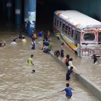 除了德州 你可能不知道南亞水災已奪走1,200條人命